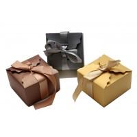 """קופסאות יוקרה עם סרט סאטן מובנה לקשירה 9X9X5.5 ס""""מ"""